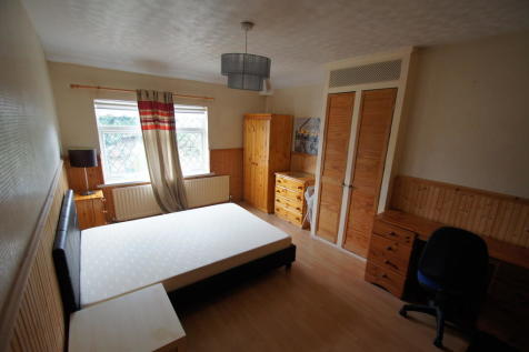 Terry Road, Coventry, CV1 2BA. 3 bedroom end of terrace house