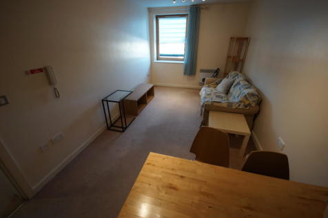 Priory Place, Coventry, CV1 5SA. 2 bedroom apartment