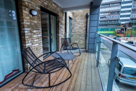Boundary Lane, London, SE17. 2 bedroom flat