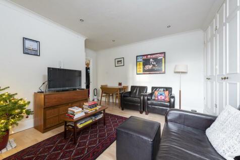 East Hill, Wandsworth. Studio flat for sale