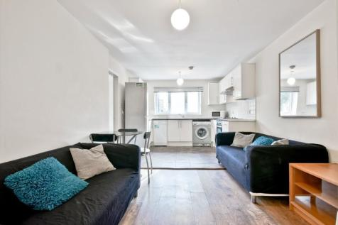 Ambassador Square, London, E14. 3 bedroom apartment