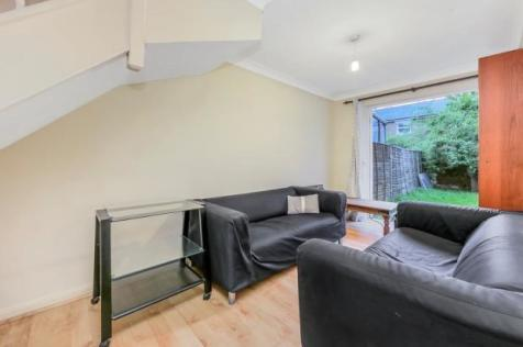 Lockesfield Place, London, E14. 4 bedroom terraced house