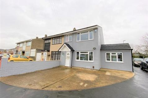 Carfax Road, Hornchurch RM12. 4 bedroom end of terrace house