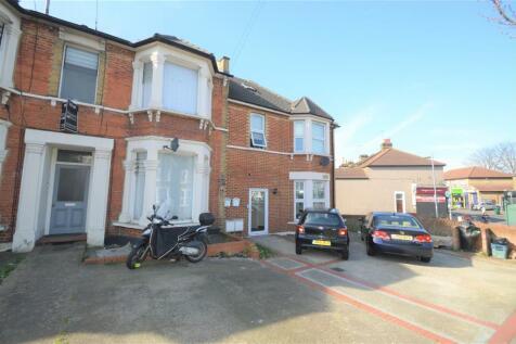 Belgrave Road, Ilford IG1. 1 bedroom flat