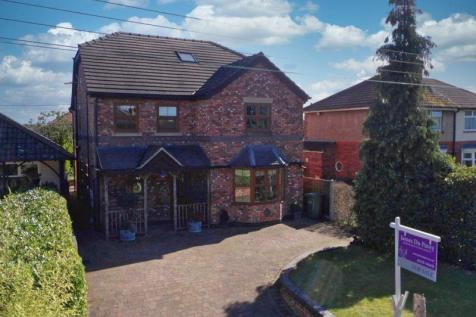 Waterloo Road, Haslington, Cheshire. 5 bedroom detached house