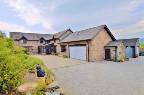 Corwen, Clwyd, LL21. 5 bedroom detached house for sale