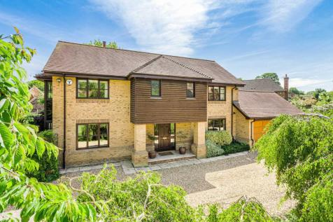 Dovecote Croft, Great Linford Village. 4 bedroom detached house