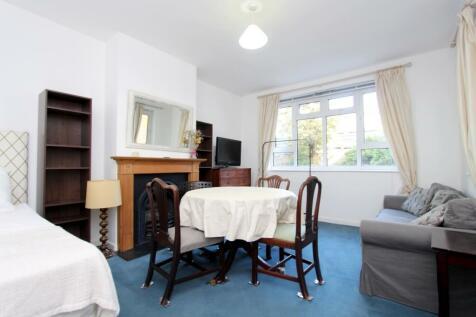 Trebovir Road, Earls Court. 2 bedroom flat
