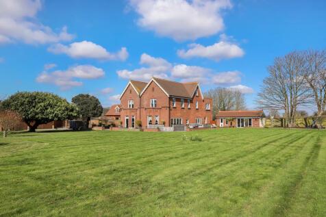 Fareham, Hampshire. 7 bedroom detached house