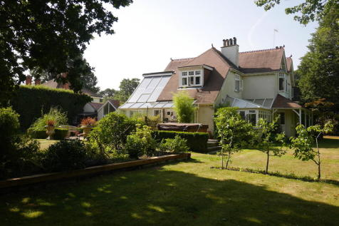 Waterlooville, Hampshire. 4 bedroom detached house for sale