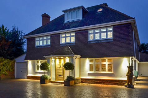 Hayling Island. 5 bedroom detached house for sale