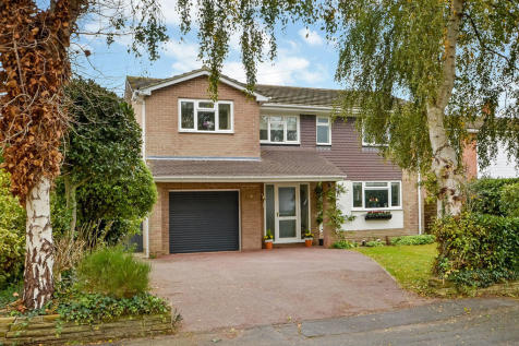 Hayling Island, Hampshire. 4 bedroom detached house for sale