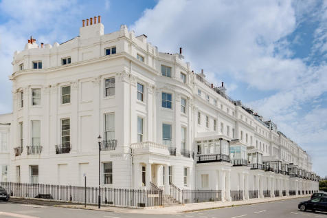 Chichester Terrace, Brighton. 2 bedroom apartment
