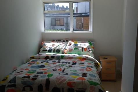 Woodland Terrace, London. 1 bedroom flat share