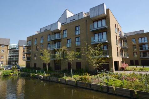 Kings Mill Way, Denham, Uxbridge, UB9. 2 bedroom apartment
