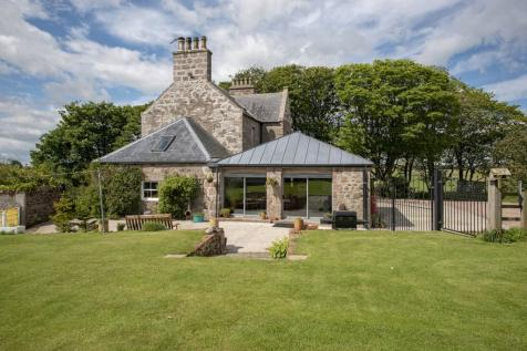Mains of Auquharney Farm, Peterhead, AB42 0QU. 5 bedroom country house for sale