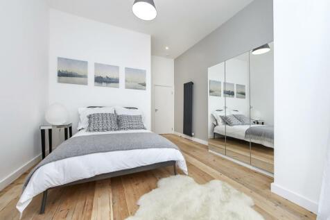 Brownhill Road, London. 1 bedroom ground floor flat
