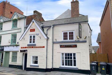 The Old Swan, Wrexham. Studio flat
