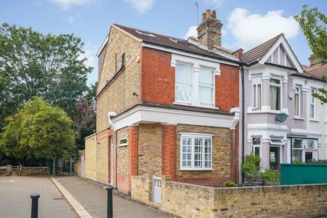 Northcroft Road, Ealing, W13. 3 bedroom end of terrace house
