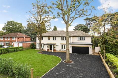 PRIVATE ESTATE...Grafton House, Pyrford Woods, GU22 8QR. 6 bedroom detached house for sale