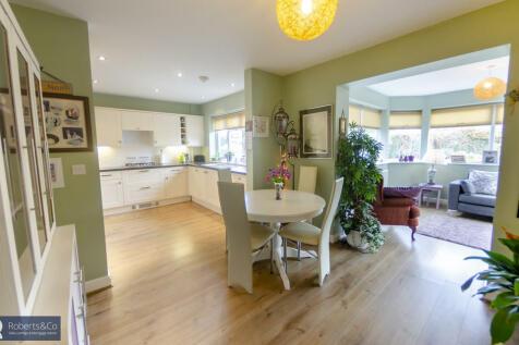 Cloverfield, Penwortham. 3 bedroom semi-detached bungalow for sale