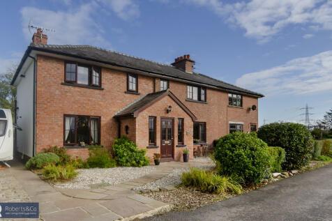 Townley Lane, Penwortham. 4 bedroom semi-detached house for sale
