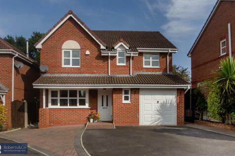 Stephenage Park, Penwortham. 4 bedroom detached house for sale