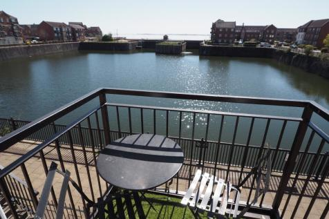 Sequana Court, Victoria Dock, Hull, HU9 1PQ. 2 bedroom apartment