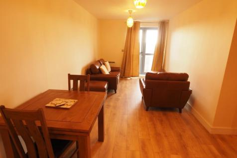 Queens Court, Hull, HU1 3DR. 2 bedroom apartment