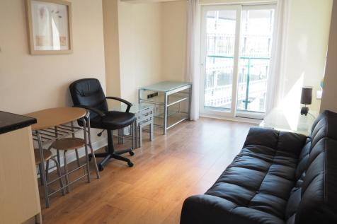 Queen Street, Hull, HU1 1TF. 1 bedroom apartment