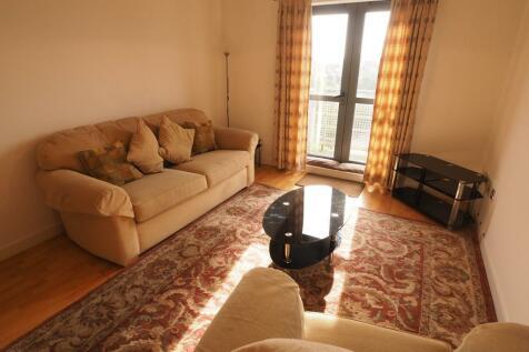 Queens Court, 50 Dock Street, Hull, HU1 3DL. 2 bedroom apartment