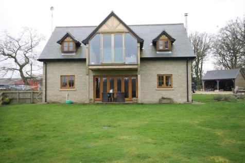 Three Gates Farm, Shalfleet. 3 bedroom detached house
