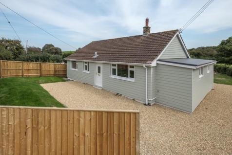 Newbridge, Isle of Wight. 3 bedroom detached bungalow