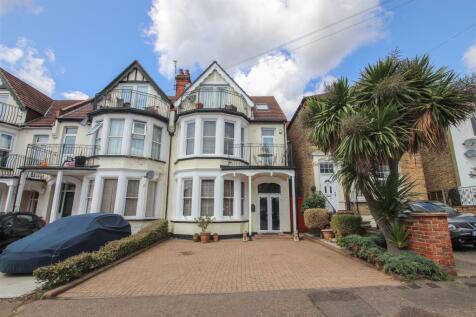 Grosvenor Road, Westcliff-on-Sea. 6 bedroom house