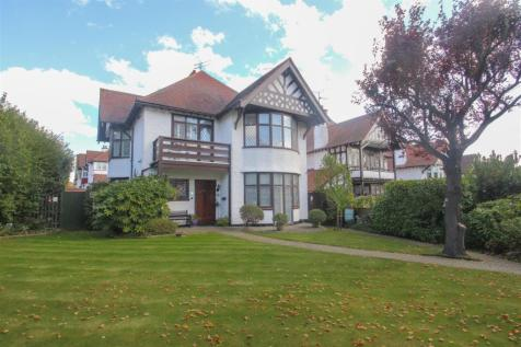 Chalkwell Avenue, Westcliff-On-Sea. 4 bedroom detached house for sale