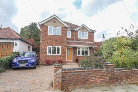 Southbourne Grove, Westcliff-On-Sea. 4 bedroom detached house for sale