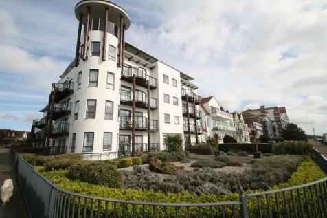 Crowstone Avenue, Westcliff-On-Sea. 2 bedroom apartment