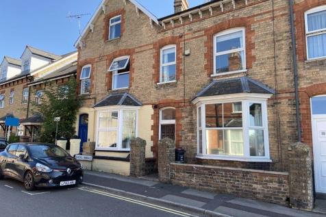 Queen Street, Taunton. 4 bedroom terraced house