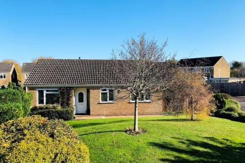 A detached bungalow with a generous private garden in Bishops Hull, Taunton. 3 bedroom detached bungalow for sale