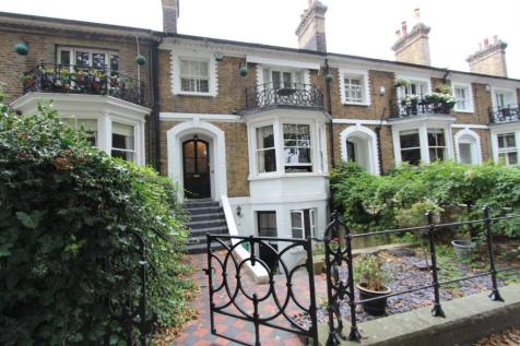 Guide Price £700,000 to £750,000. 4 bedroom house for sale