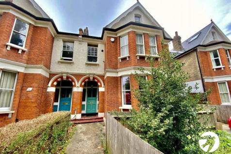 Lewisham Park, Lewisham, London, SE13. 3 bedroom flat