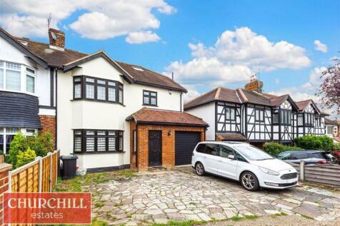 Farm Way, Buckhurst Hill, Essex. 4 bedroom semi-detached house