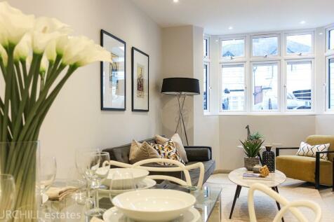Glebelands Avenue, London, E18. 2 bedroom apartment for sale