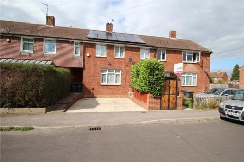 Chalton Crescent, Havant, Hampshire, PO9. 3 bedroom terraced house