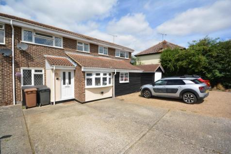 Chatley Road, Great Leighs, Chelmsford, Essex, CM3. 3 bedroom terraced house