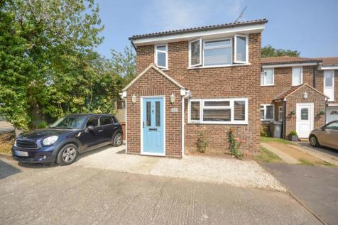 Bolingbroke Close, Great Leighs, Chelmsford, Essex, CM3. 3 bedroom end of terrace house