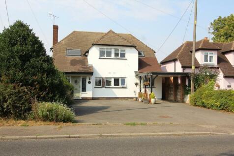Galleywood Road, Great Baddow, Chelmsford, Essex, CM2. 5 bedroom detached house
