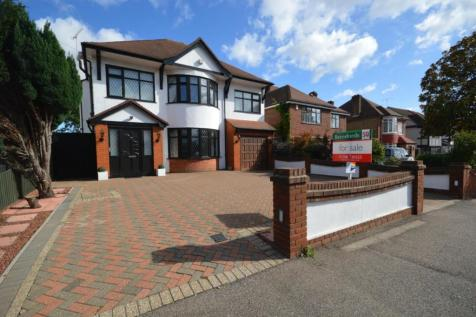 Pettits Lane, Romford, Essex, RM1. 4 bedroom detached house for sale