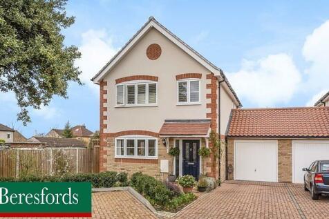 Wyses Mews, Romford, Essex, RM1. 4 bedroom detached house