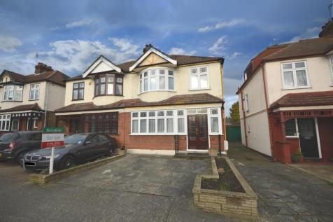 Mashiters Walk, Marshall Park, Romford, RM1. 3 bedroom semi-detached house for sale